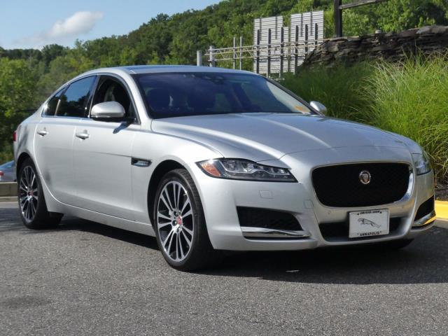 Certified Pre-Owned 2016 Jaguar XF 4dr Sedan 35t Prestige AWD