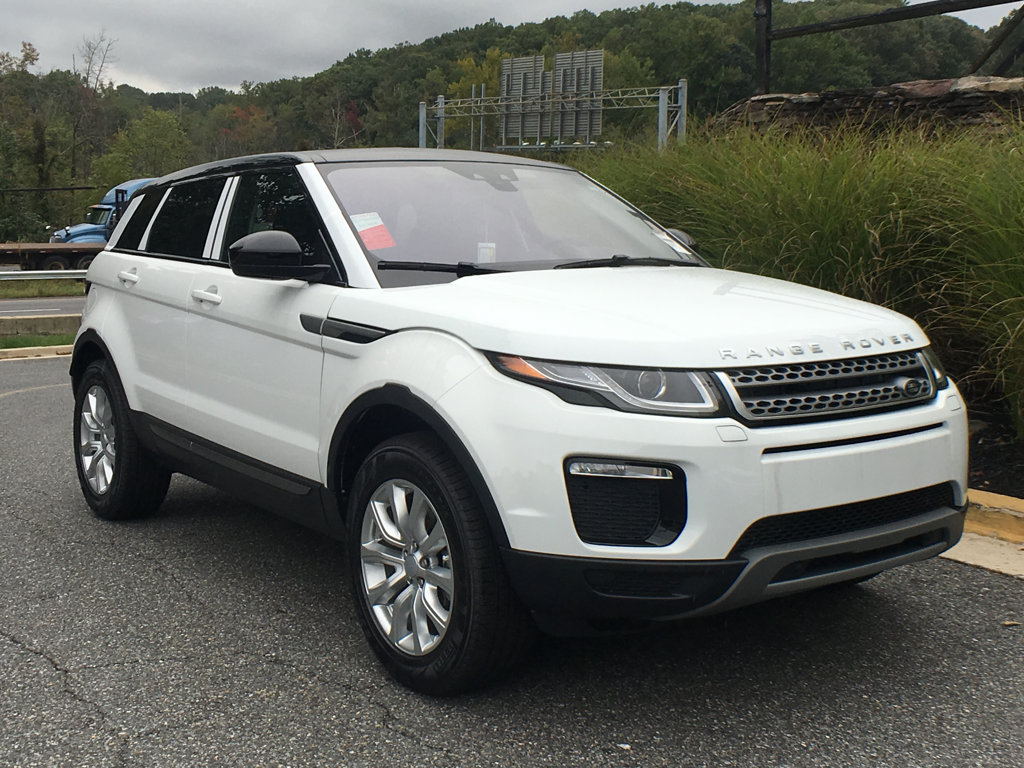 New 2018 Land Rover Range Rover Evoque 5 Door SE