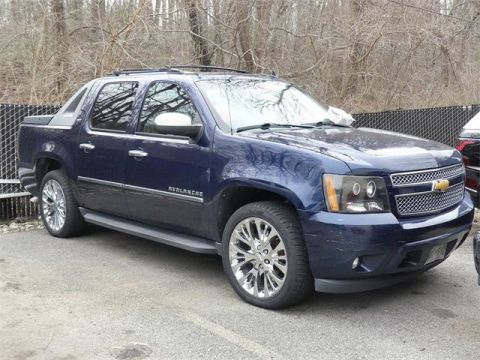 Pre-Owned 2011 Chevrolet Avalanche 4WD Crew Cab LTZ